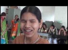 blind girl singing ae mere watan ke logon